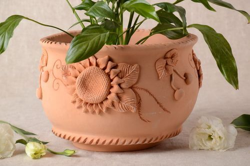 Handmade plant pot ceramic planter 2.5 l clay flower pots housewarming gifts - MADEheart.com