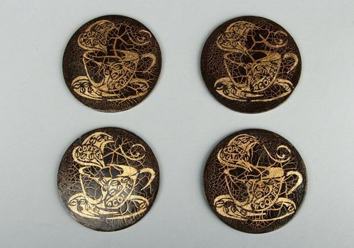 Set of wooden cup coasters - MADEheart.com