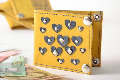 Wallet made of genuine leather - MADEheart.com