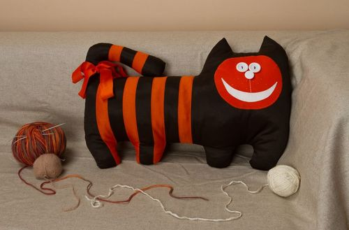 Pillow toy Cat - MADEheart.com