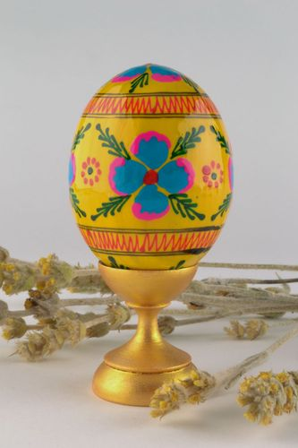 Painted wooden egg for decoration - MADEheart.com