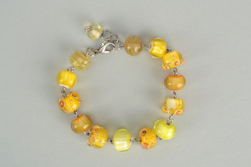Bright yellow lampwork glass bracelet - MADEheart.com