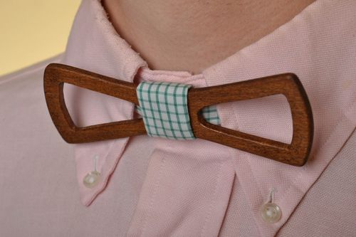 Unusual handmade designer beautiful beech wood bow tie with cotton strap - MADEheart.com
