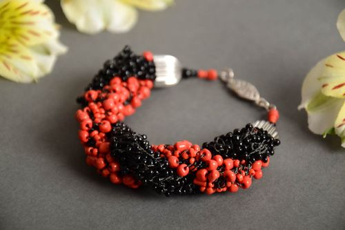 Handmade volume woven wrist bracelet crocheted of red and black Czech beads - MADEheart.com