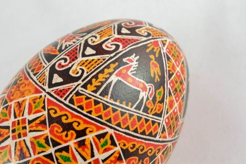 Easter egg with handmade painting - MADEheart.com