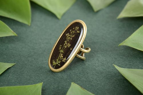 Large handmade designer dark botanical ring with dried flowers coated with epoxy - MADEheart.com