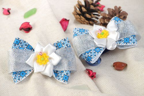 Set of 2 handmade hair ties with blue bows and white kanzashi flowers for kids - MADEheart.com