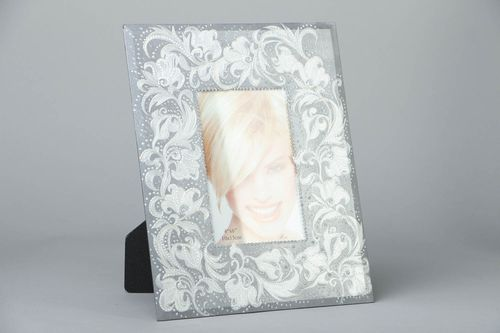Handmade photo frame - MADEheart.com