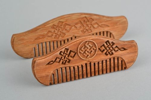 Handmade designer carved oak wood natural mustache and beard hair comb - MADEheart.com