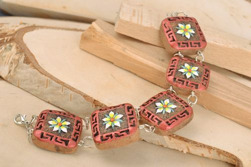 Handmade clay bracelet with square details painted with acrylics - MADEheart.com