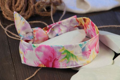 Handmade designer flexible cotton dolly bow headband of motley coloring - MADEheart.com