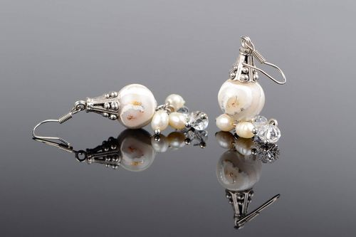 Pendant earrings with pearls - MADEheart.com