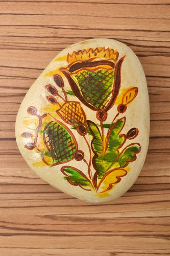 Handmade painted pebbles stone art painted stones gift ideas decorative use only - MADEheart.com