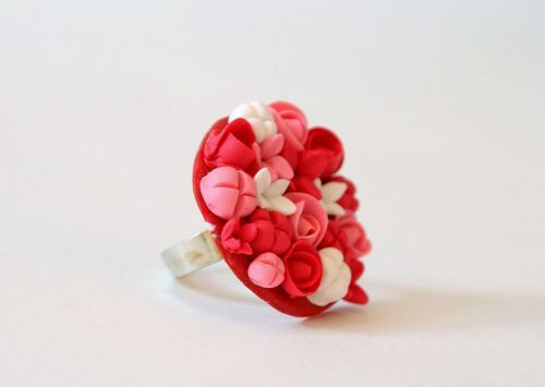 Handmade ring made ​​of polymer clay - MADEheart.com