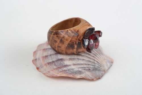 Handmade designer carved wooden jewelry ring with natural garnet chips for women - MADEheart.com
