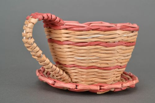 Woven flower pot with saucer - MADEheart.com