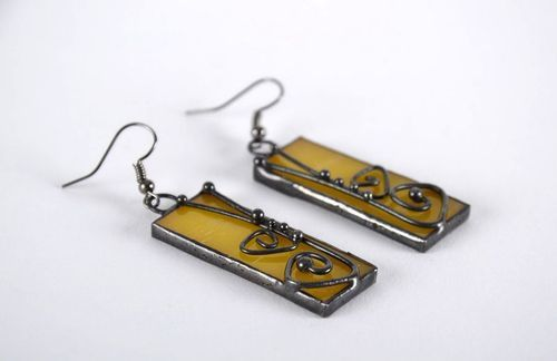 Stained glass earrings made of copper and glass - MADEheart.com