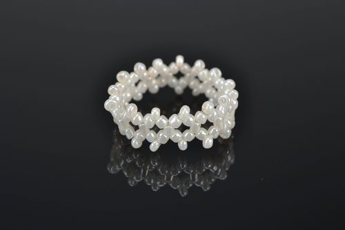 White woven bead ring - MADEheart.com