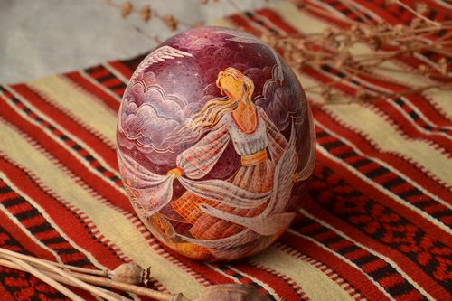 Painted ostrich egg with carved elements - MADEheart.com