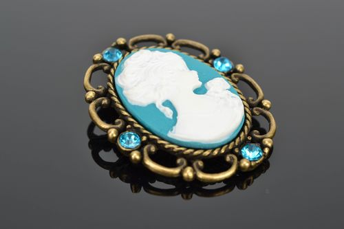 Turquoise polymer clay brooch with cameo - MADEheart.com