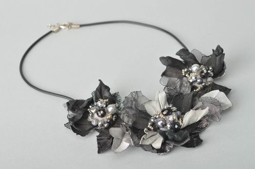 Stylish handmade leather flower necklace cool jewelry designer accessories - MADEheart.com