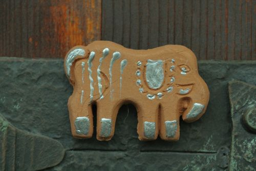 Clay fridge magnet in the shape of elephant - MADEheart.com